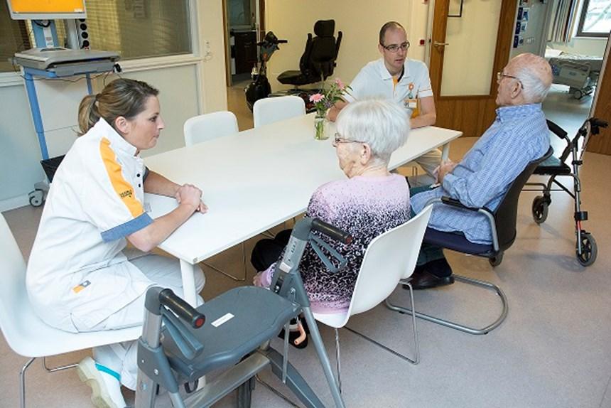 Maasstad Ziekenhuis Zorgt Voor Warme Overdracht Kwetsbare Ouderen